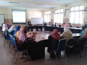 photo Guru-guru sedang  mengikuti workshop